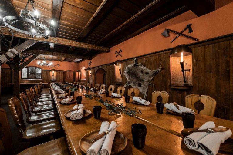 Schloss Kaltenberg Restaurant Ritterschwemme Ritteressen